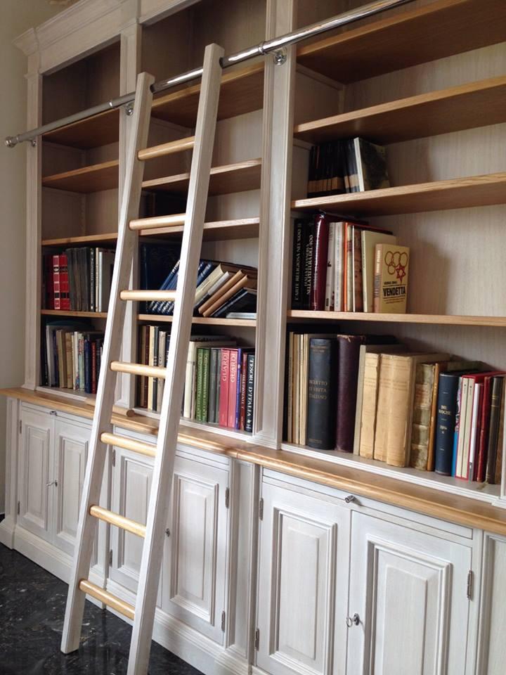 Librerie in legno su misura librerie artigianali legnoeoltre for Cera arredamenti