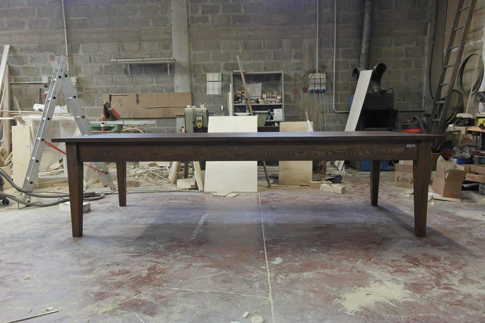 Tavolo con legno di recupero