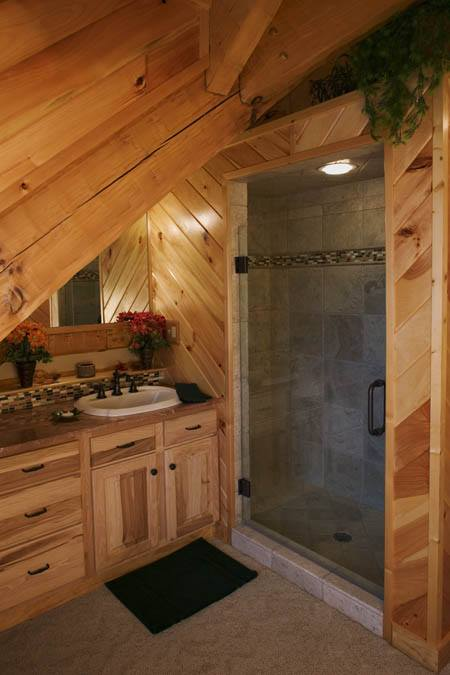 Mobile bagno rustico per mansarda