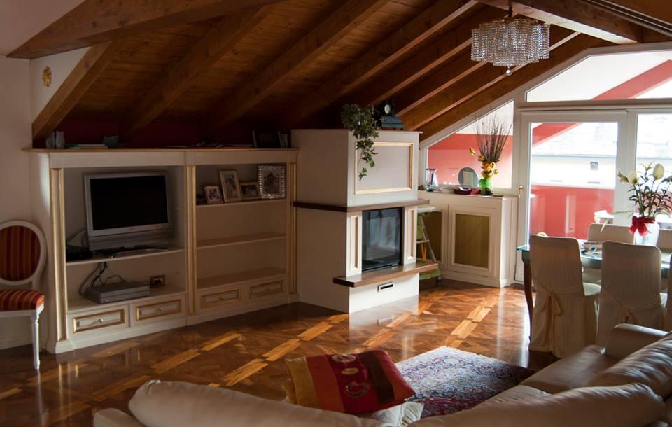 Mansarda da abitare arredamento mansarda legnoeoltre - Cucine per mansarde basse ...
