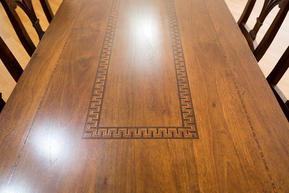 tavolo intarsiato legnoeoltre