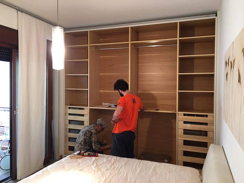 Montaggio armadio legnoeoltre