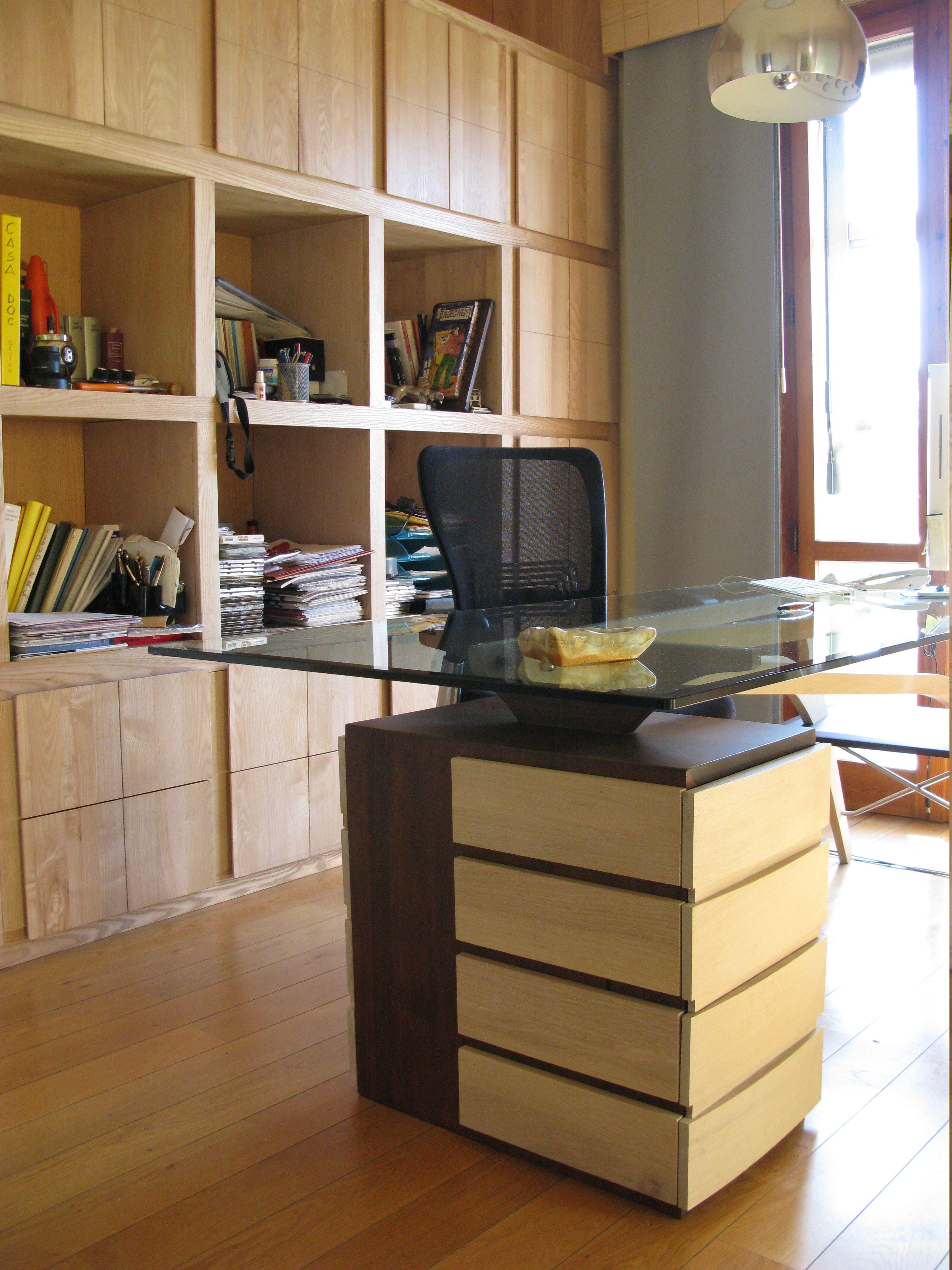 Scrivania libreria studio arredamento studio legnoeoltre for Libreria per scrivania