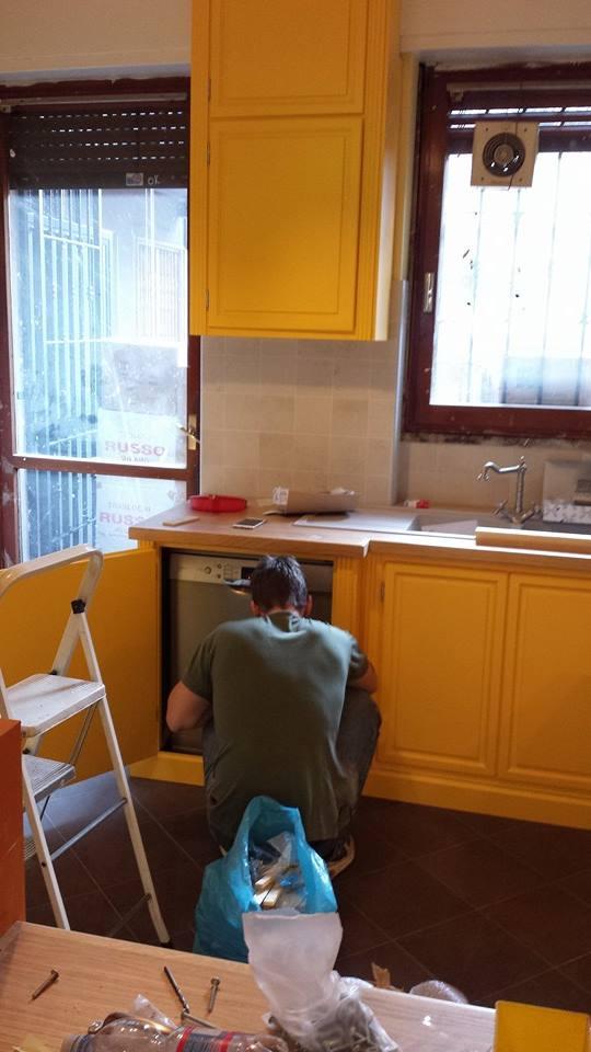 cucina in giallo montaggi (1)