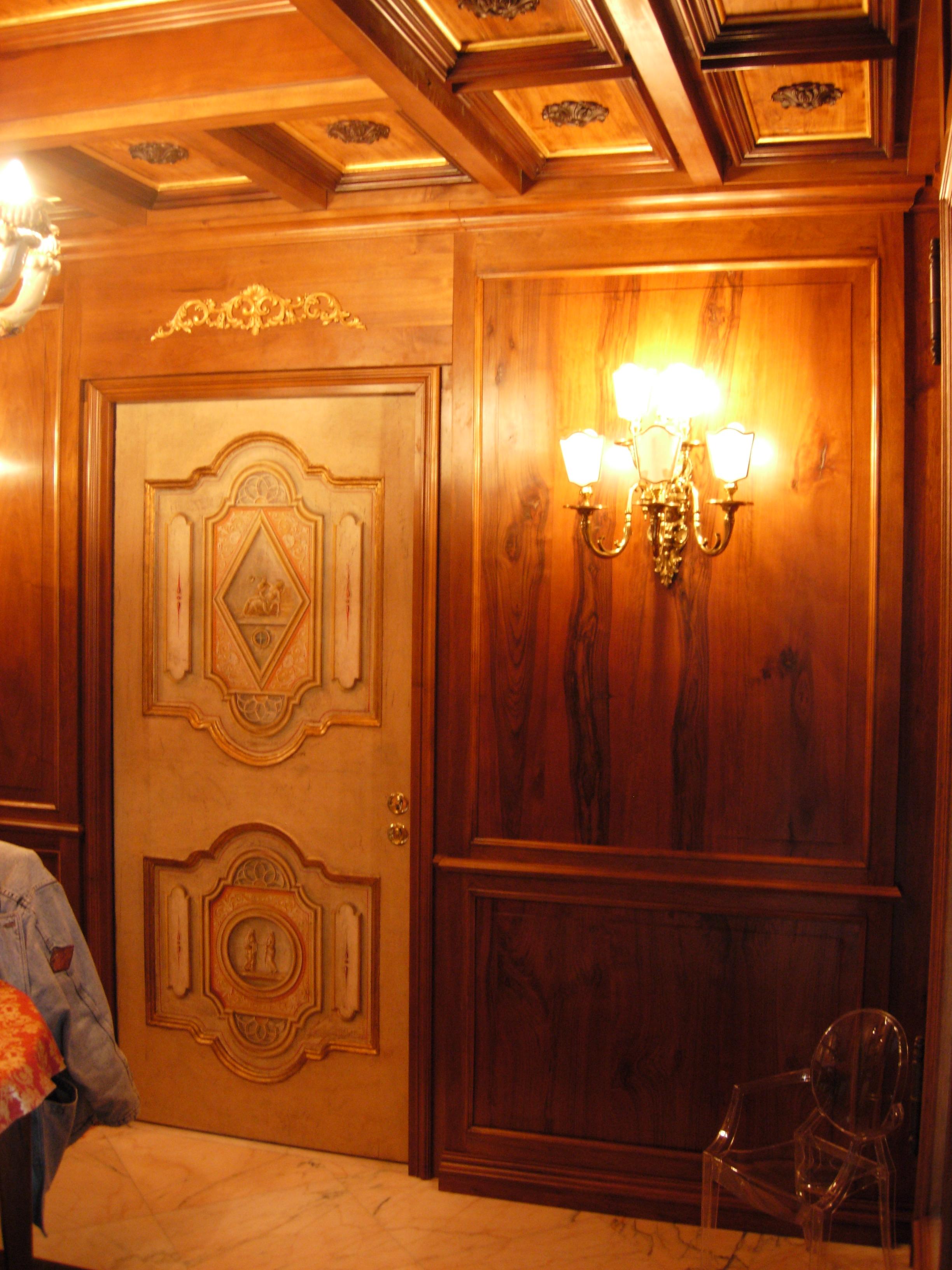 porta dipinta legnoeoltre