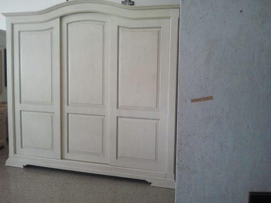 armadio in stile provenzale