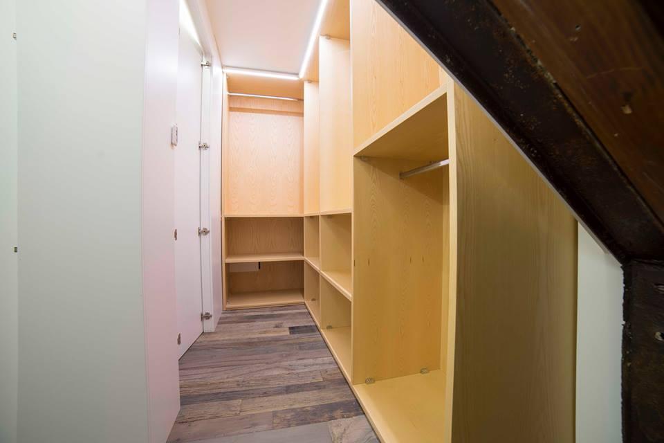 interno cabina armadio
