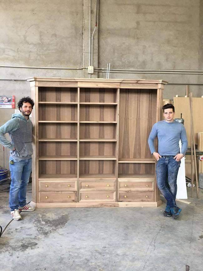 Cabina armadio in noce classica legnoeoltre