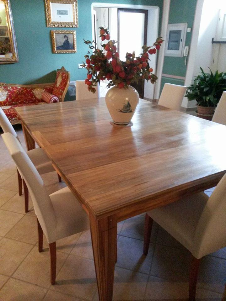 Tavolo in noce legnoeoltre