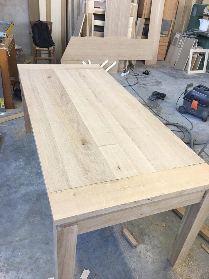 Tavolo in rovere massello naturale tavolo rovere nodoso - Tavolo in rovere naturale ...