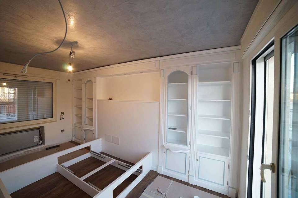 Camera da letto su misura classica legnoeoltre - Boiserie camera da letto ...