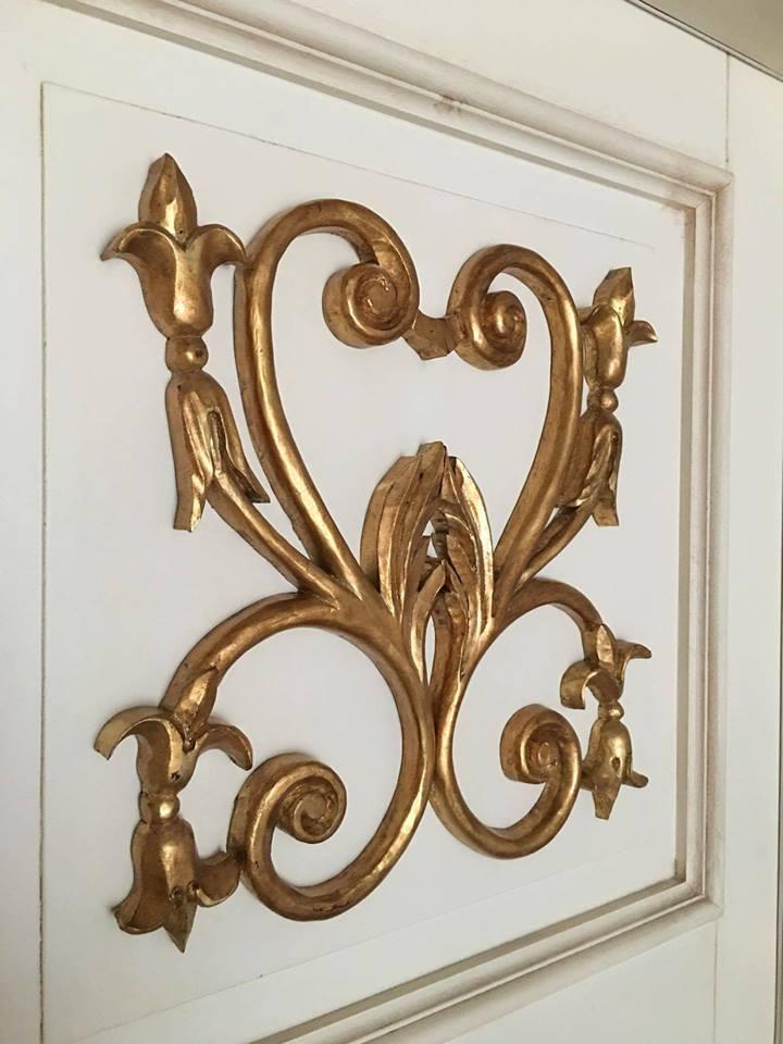 Fregi dorati per porta classica (4)