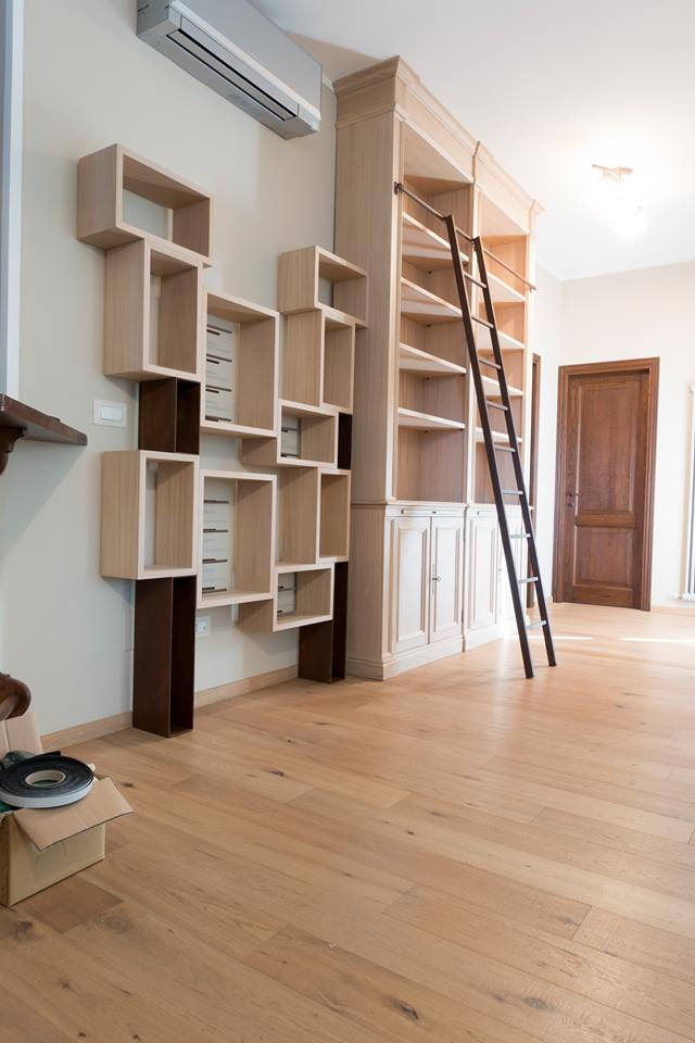 Vineria e libreria in rovere sbiancato- legnoeoltre