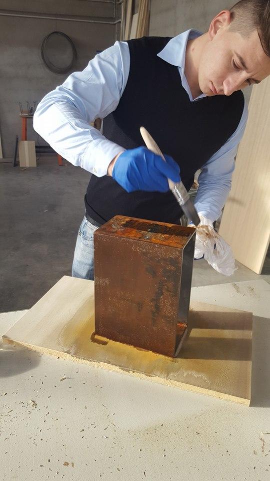 Invecchiamento elemento ferro per vineria rovere