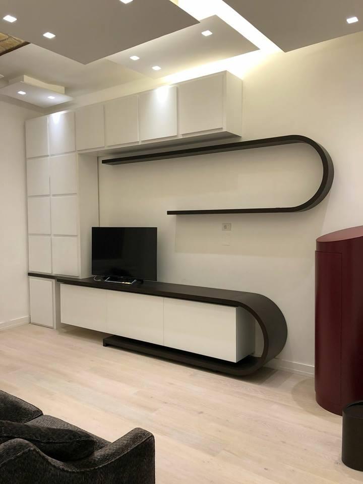 Free parete attrezzata moderna con mobili ovali with for Az arredamenti napoli