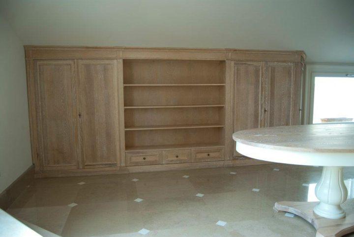 Arredamento soggiorno in rovere sbiancato legnoeoltre for Arredamento particolare